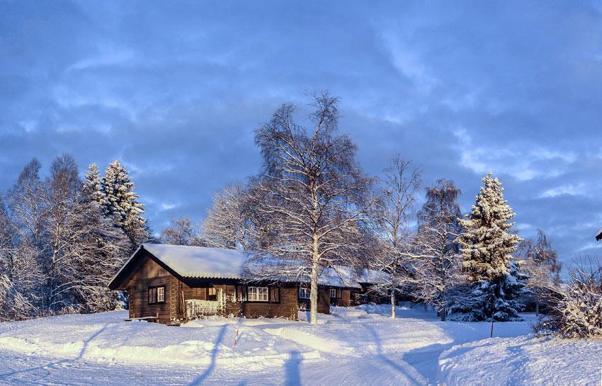 Vinterbild på vandrarhemsstugor