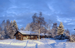 STF vandrsrhemsstugor i vinterskrud.